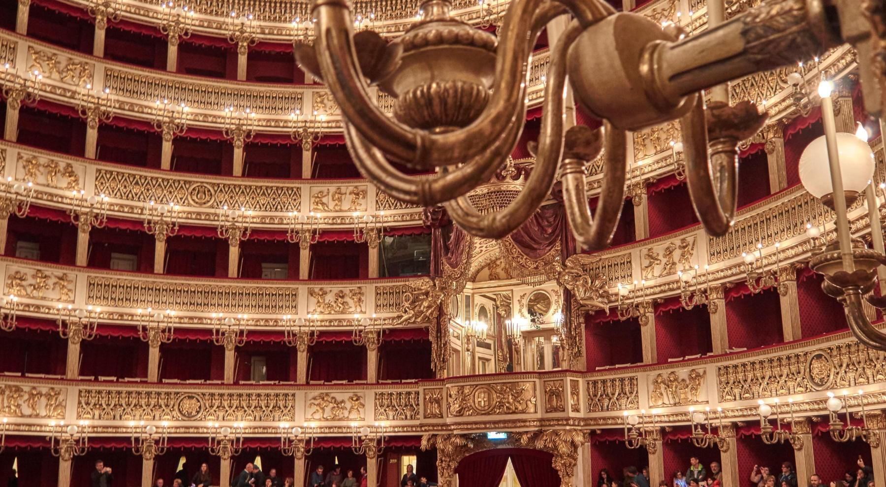Al teatro San Carlo, tra magnificenza e delusione [FOTO]